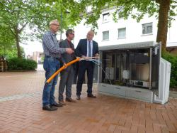Das Foto zeigt v.l.n.r.: Christian Mewes, Reinhard Rohleder und Bürgermeister Walter Kiß